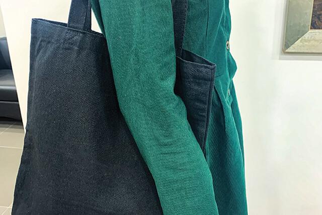 custom black tote-bag
